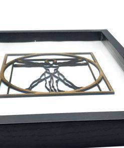 virtuvianischer Mensch 3D aus Holz im Rahmen