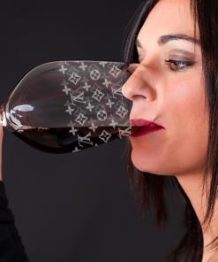 Weinglas mit Gravur LV